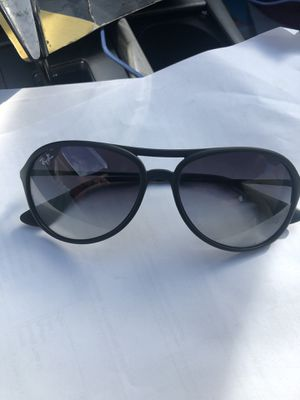 Ray bans sunglasses for Sale in Irwindale, CA