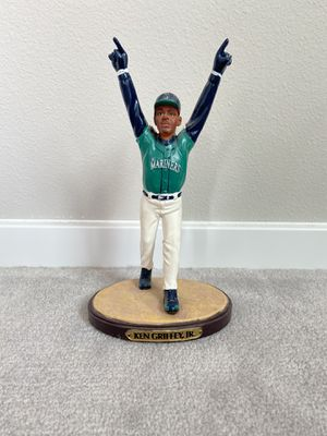 Ken Griffey Jr. 05 Seattle Mariners collectible 95 FSN statue for Sale in Lynnwood, WA