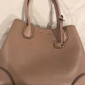 Michael Kors Medium Size Bag for Sale in Hacienda Heights, CA