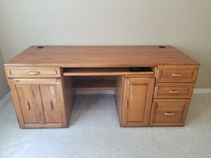 Large Oak Desk and Chair for Sale in Santa Maria, CA
