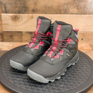 Merrell Black Womens Snow Boots Size 7 for Sale in Omaha, NE