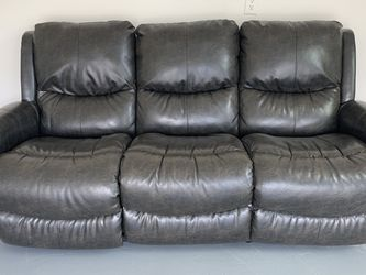 Leather Sofa w/ Electronic Recliner for Sale in Smyrna,  GA