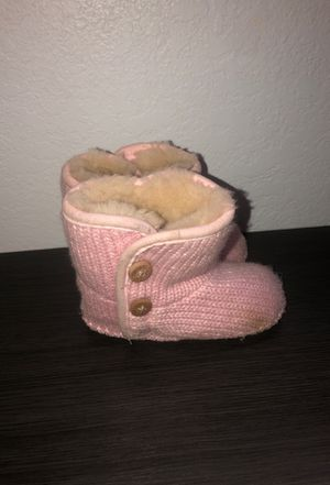 Uggs (authentic) pink girls boot SIZE 4 for Sale in Venice, FL