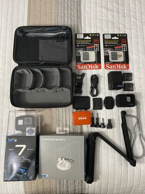 GoPro HERO 7 BLACK and Accessories for Sale in Joint Base Pearl Harbor-Hickam, HI