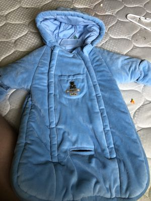 Car seat winter suit 0-6 months for Sale in Myerstown, PA