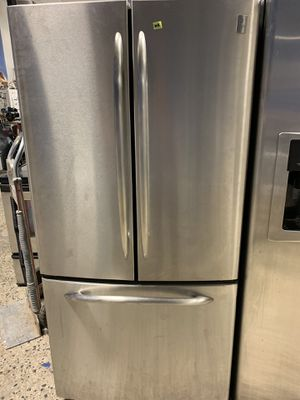 33by69 GE FRENCH DOOR FRIDGE STAINLESS STEEL WITH WARRANTY for Sale in Lake Ridge, VA