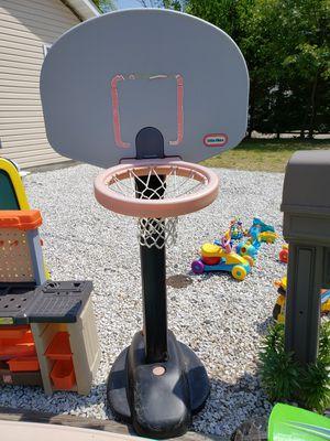 Little tikes adjustable basketball hoop for Sale in Toms River, NJ