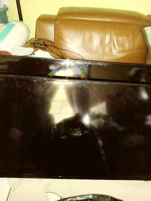 Free tv's.2 Don't turn on. No encienden. for Sale in Carol City, FL