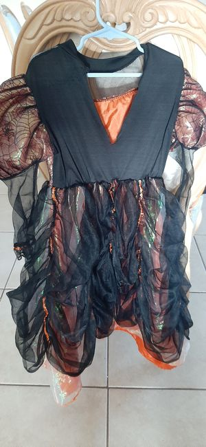 Halloween witch costume for Sale in Melbourne, FL