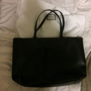 Gucci Tote Black Leather for Sale in Piscataway, NJ