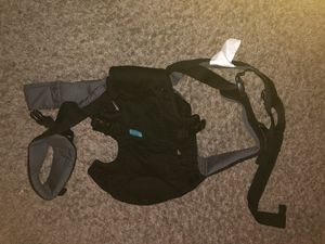 Black and gray baby carrier for Sale in Houston, TX