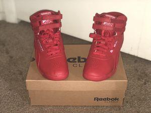 Women's Classic Reebok Size 8.5 for Sale in Winter Haven, FL