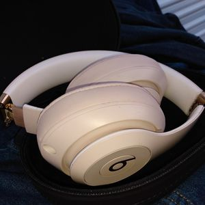 Beats Studio 3 for Sale in Visalia, CA