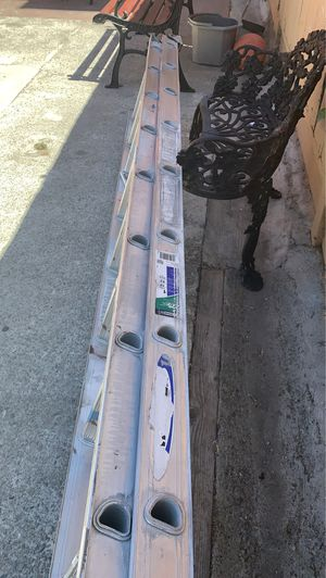 Ladder use good condition for Sale in Oakland, CA