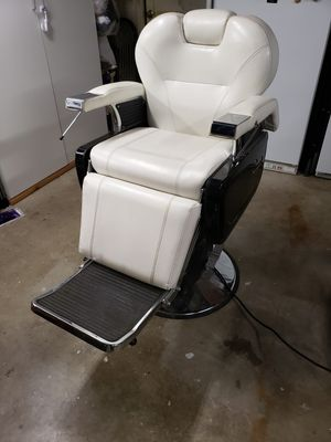 Barber chair for Sale in Palmdale, CA