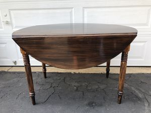 Dining table for Sale in Sterling, VA