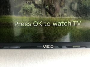 Vizio smart TV 42 inch with wall mount $200 for Sale in Irvine, CA