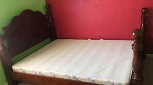 Queen size bed and 3 drawers for Sale in Hayward, CA