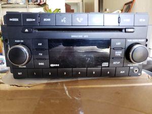 07 jeep wrangler dodge Chrysler OEM radio for Sale in Uniondale, NY