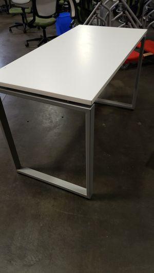 White desk for Sale in Union City, CA
