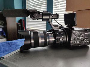 Sony FS100 for Sale in Elk Grove, CA