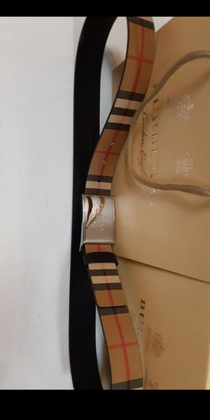 Burberry belt for Sale in Emeryville, CA