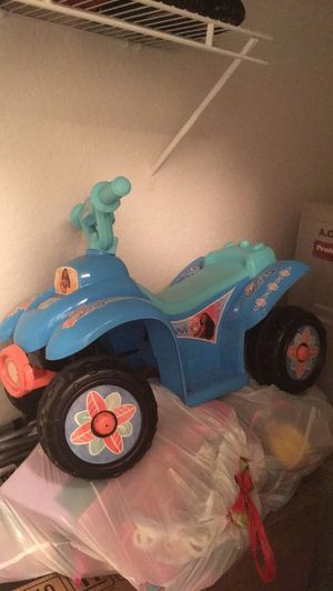 Moana Blue and black ride on toy. for Sale in Deltona, FL