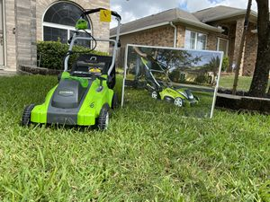 Like new Greenworks 16-Inch 40V Cordless Lawn Mower, come with Battery, price nego for Sale in Houston, TX