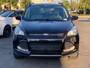 2014 Ford Escape SE, titulo limpio, navegacion, camara retroceso, CD player, a USB/iPod, 1.6L V4 16, millas 108K, Y MUCHO MAS for Sale in Norwalk, CA