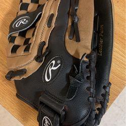 Rawlings Baseball Glove for Sale in El Paso,  TX