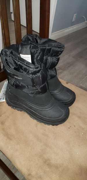 Snow boots size 2 for Sale in Las Vegas, NV