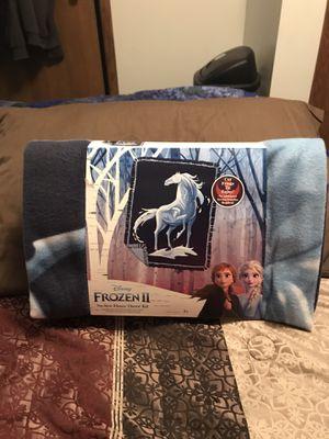 Disney's Frozen II Knokk No Sew Fleece Throw Kit for Sale in Harrisburg, SD