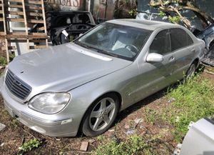 Mercedes S500, W220. For parts only for Sale in Saint Petersburg, FL