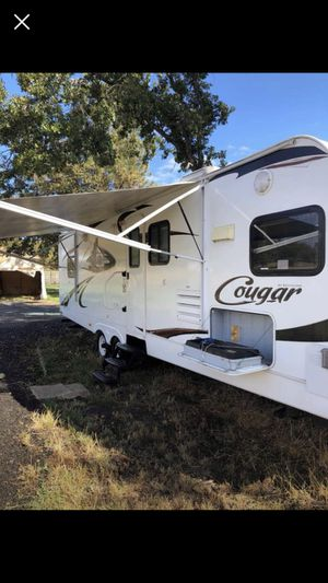 2010 29' Keystone Cougar Camp Trailer for Sale in Eagle Point, OR
