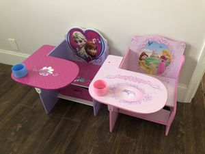 DISNEY PRINCESS AND FROZEN KIDS DESKS - LIKE NEW - SOLD OUT!!! for Sale in Boca Raton, FL