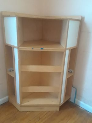 Corner shelf for Sale in Taylor, MI