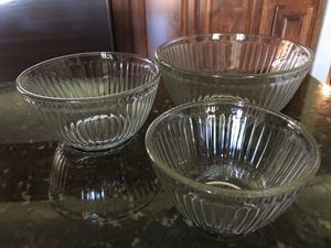 Vintage PYREX glass serving nesting bowls 3c, 6c, 10c for Sale in Canyon Lake, CA