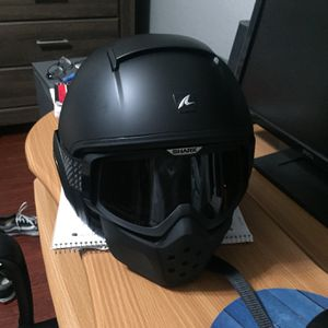 Shark Drak Helmet Size Large for Sale in Fresno, CA