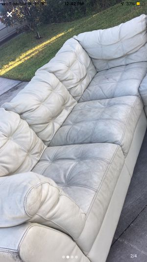 Havertys leather sofa set free for Sale in Ruskin, FL