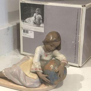 Matte Lladro - World Of Fantasy (#5943) for Sale in Woodbridge, VA