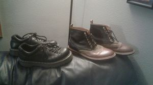 Men's 7. Black leather Dr. Martens Air Cushion Sole shoes and Ivy Leather boots for Sale in BETHEL, WA