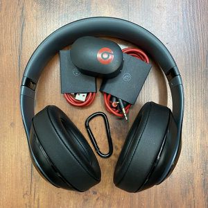 Beats by Dr. Dre Studio 2.0 Wired Over-Ear Headphones for Sale in Montebello, CA
