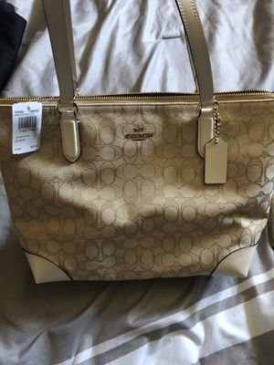 Coach tote and wallet wristlet for Sale in Ecorse, MI