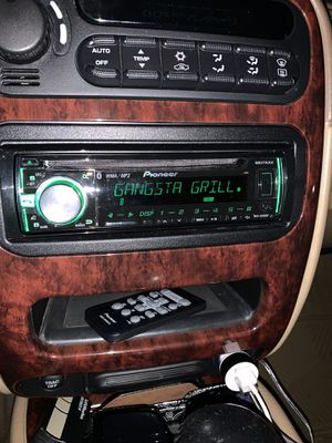 Pioneer cd, Bluetooth with remote. Great condition, works perfectly. for Sale in Beaverton, OR