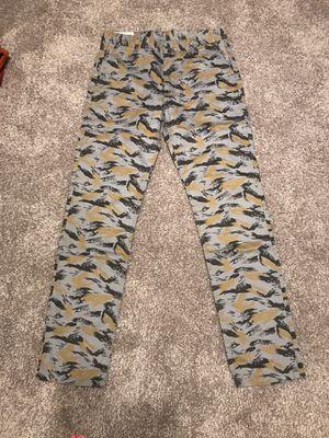 Levi's Camo Cargo Pants Mens 33x34 for Sale in Nashville, TN