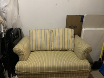 Late 90's/ Early 00's Couch for Sale in Austin,  TX