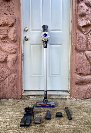 Dyson V6 Handheld Vacuum Cleaner w/ all attachments for Sale in El Cajon, CA