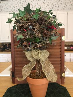 Decor - Artificial Ivy on Vine Ball for Sale in Colleyville,  TX