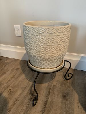 Flower pot with stand for Sale in Passaic, NJ