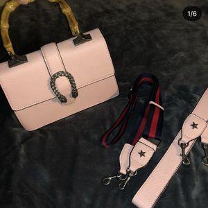 Pretty Hand Bag 😍 for Sale in Santa Clarita, CA